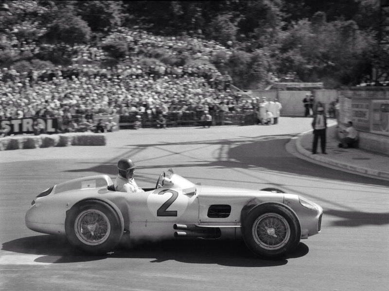 Juan manuel fangio monaco 1955 by f1 history on deviantart for Garage mercedes monaco