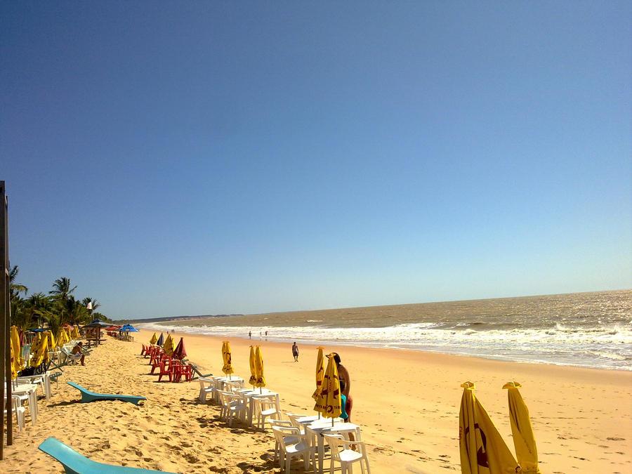 Praia by colgatiN