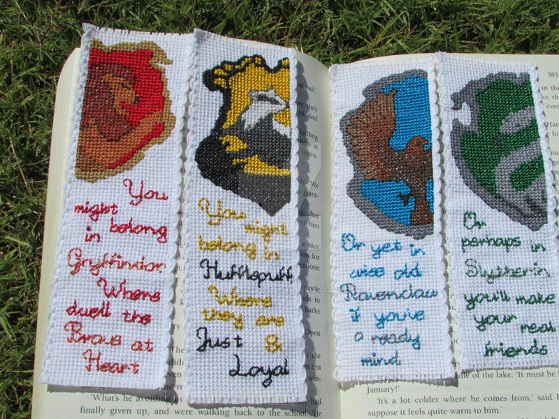 Harry Potter House Crest Cross Stitch Bookmark Set By DaydreamQueenMisha ...