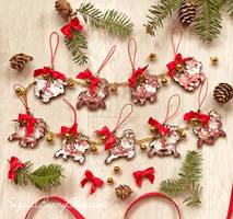 Santa's Reindeer Ornament Garland