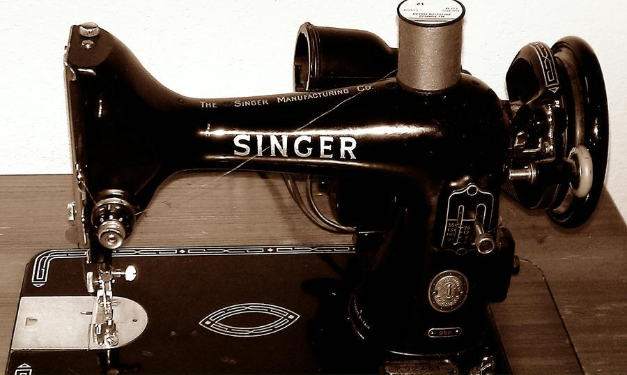 1950 s singer sewing machine
