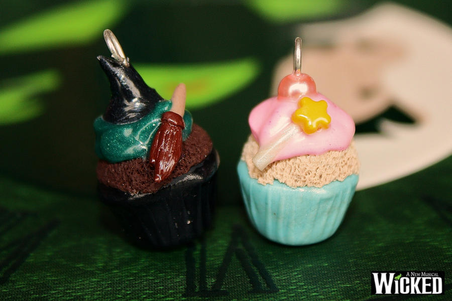 Elphaba-Glinda cupcake charms by citruscouture