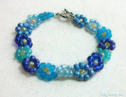 Dive Into Blue Daisy Bracelet by EmilyCammisa