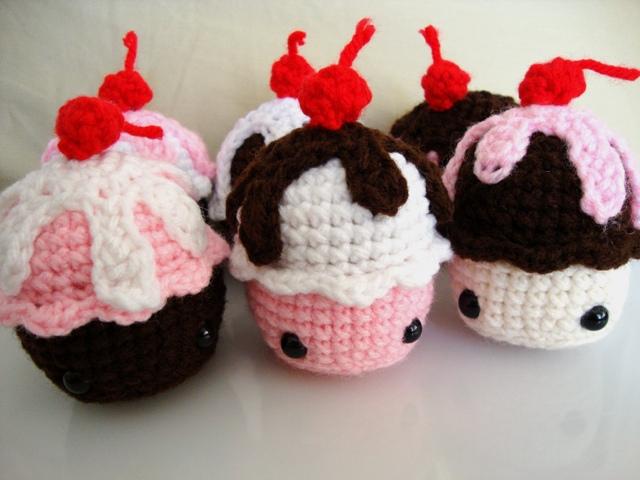 Amigurumi Delux Cupcakes by akikazu on DeviantArt