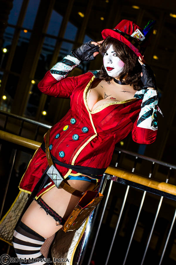 Mad Moxxi - Wanna see a hat trick? by HoodedWoman