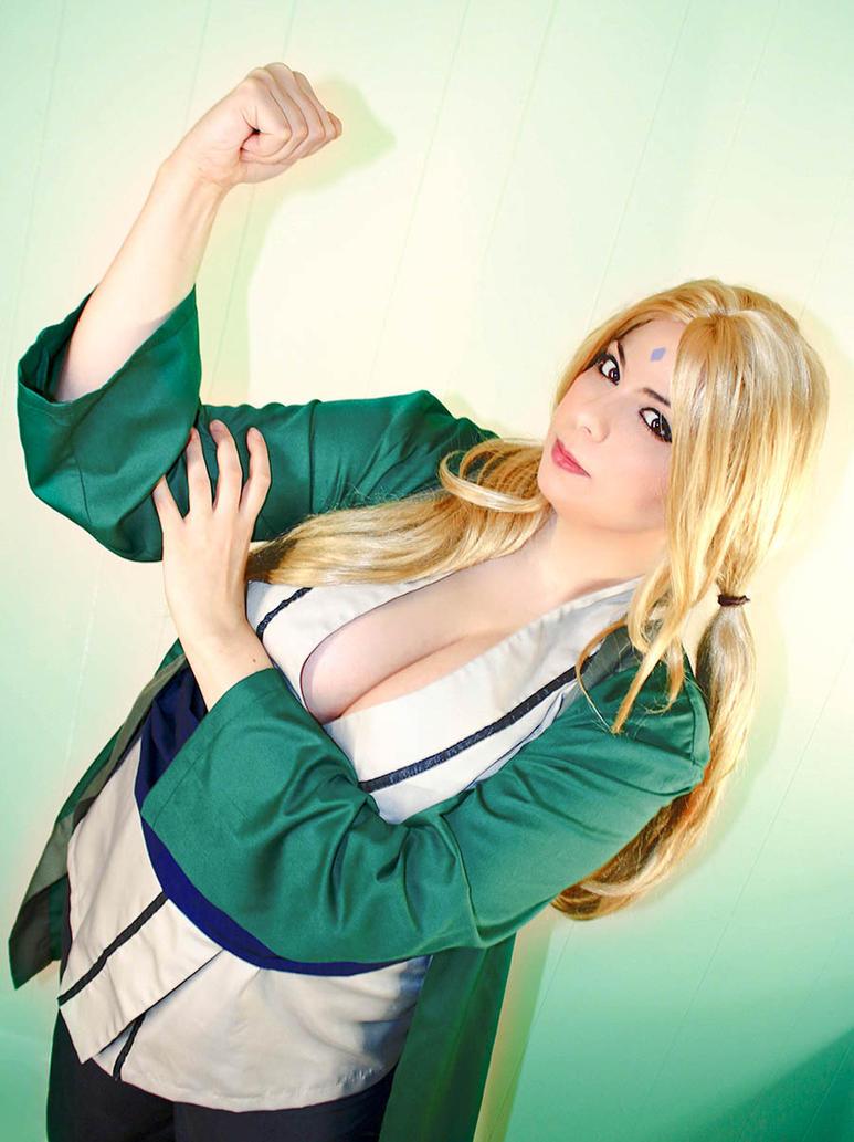 Tsunade - Naruto Cosplay by HoodedWoman