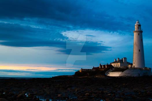 Lighthouse by R1nna