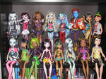 Monster high complete.