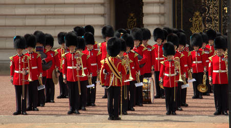 Changing the Guard - Buckingham Palace Summer 2014 by Cloudwhisperer67