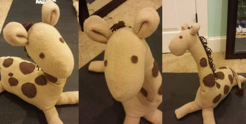 Giraffe by kavic