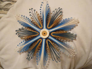 Quilled snowflake-thing