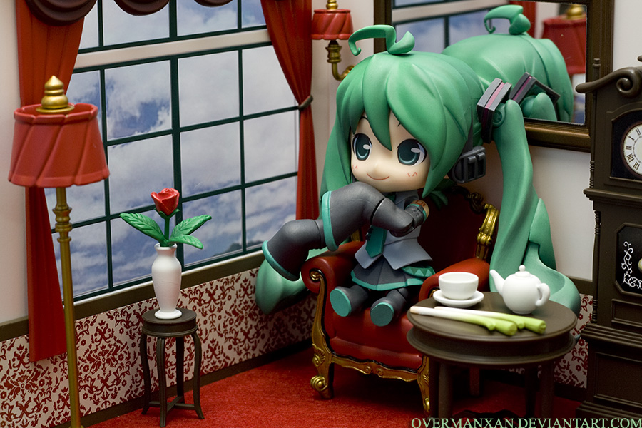 Classy Hatsune Miku HMO by OvermanXAN