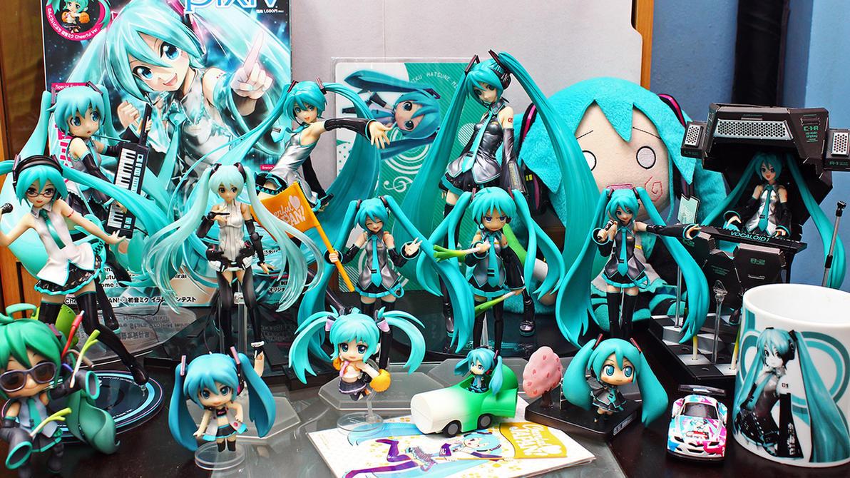 Hatsune miku figure collection