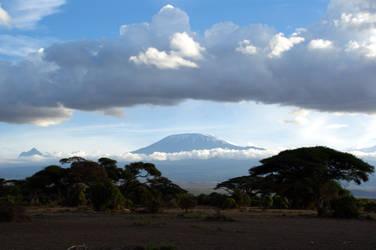 Mt. Kilamanjaro by aworldofpossibilitie