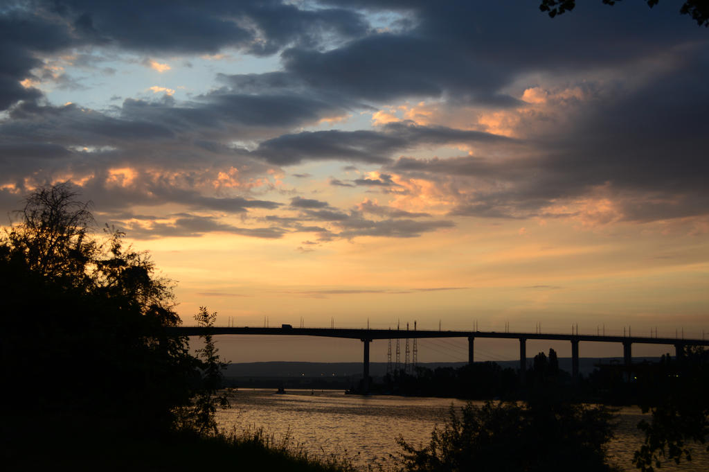 Dawn bridge by Bladenight91
