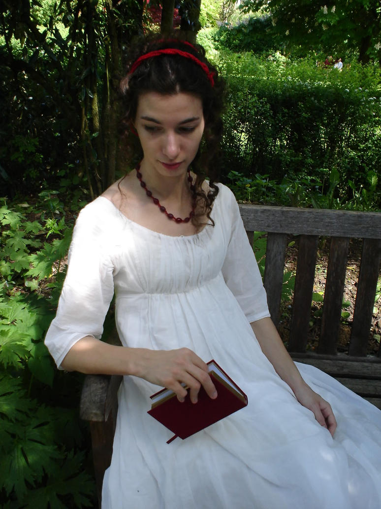 Inspiracion: Trajes y complementos de Mujer Reading_or_musing_by_fiofiorina-d34znrn