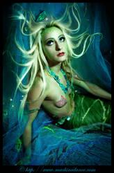mermaid by starlitziggy