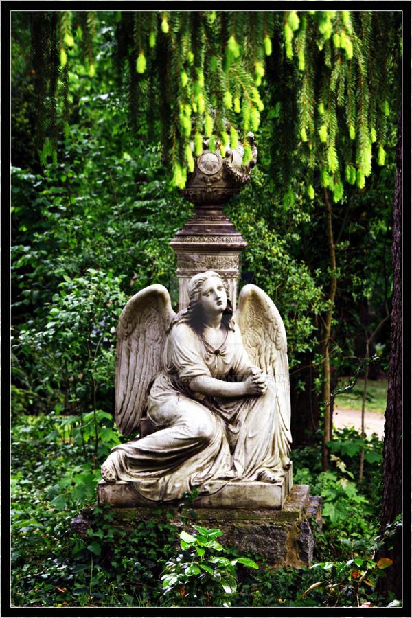 Angel by scuroluce