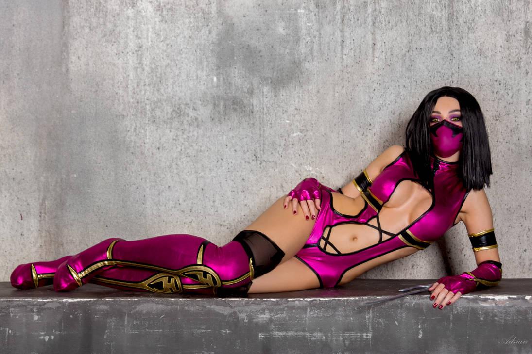 Mortal Kombat: Mileena cosplay by Alena Galan