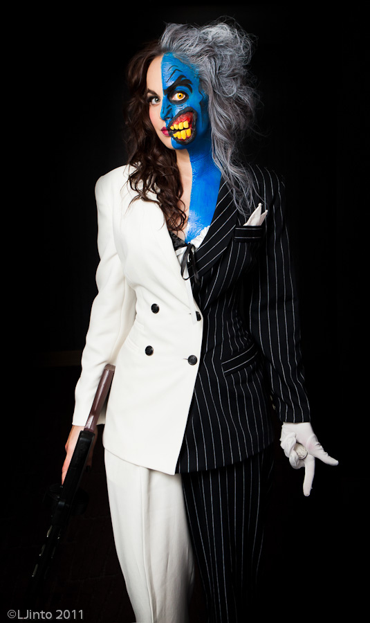 Wednesday Cosplay – Lady Two Face