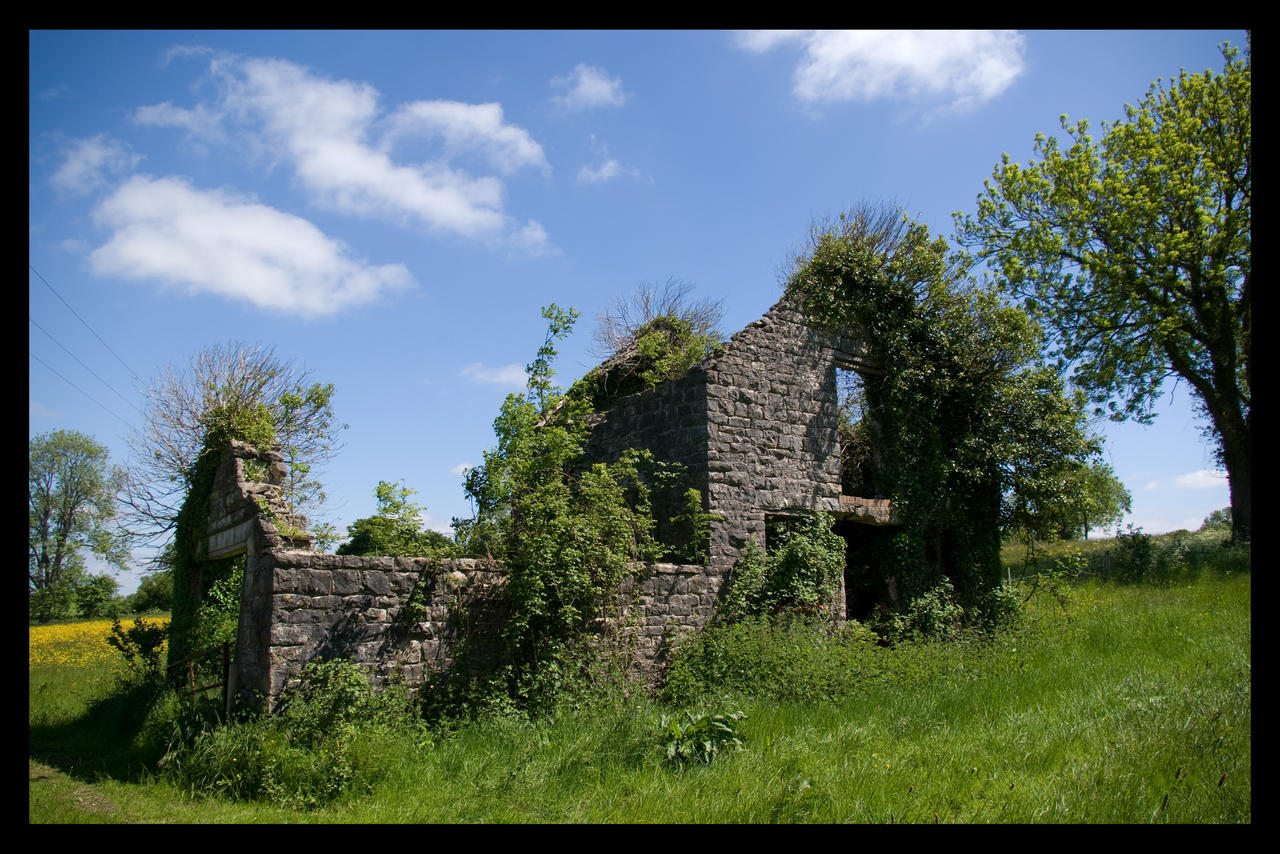 Old Wells Road - Abandoned farm building
