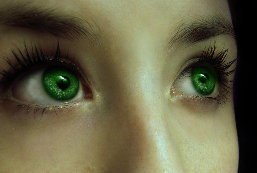 Emerald Eyes by HomicidalTeaBreak on DeviantArt