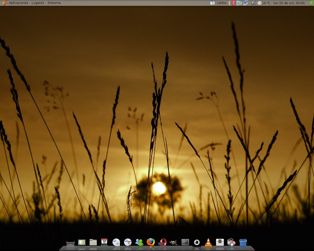 My Ubuntu Desktop by KR105-abstrak