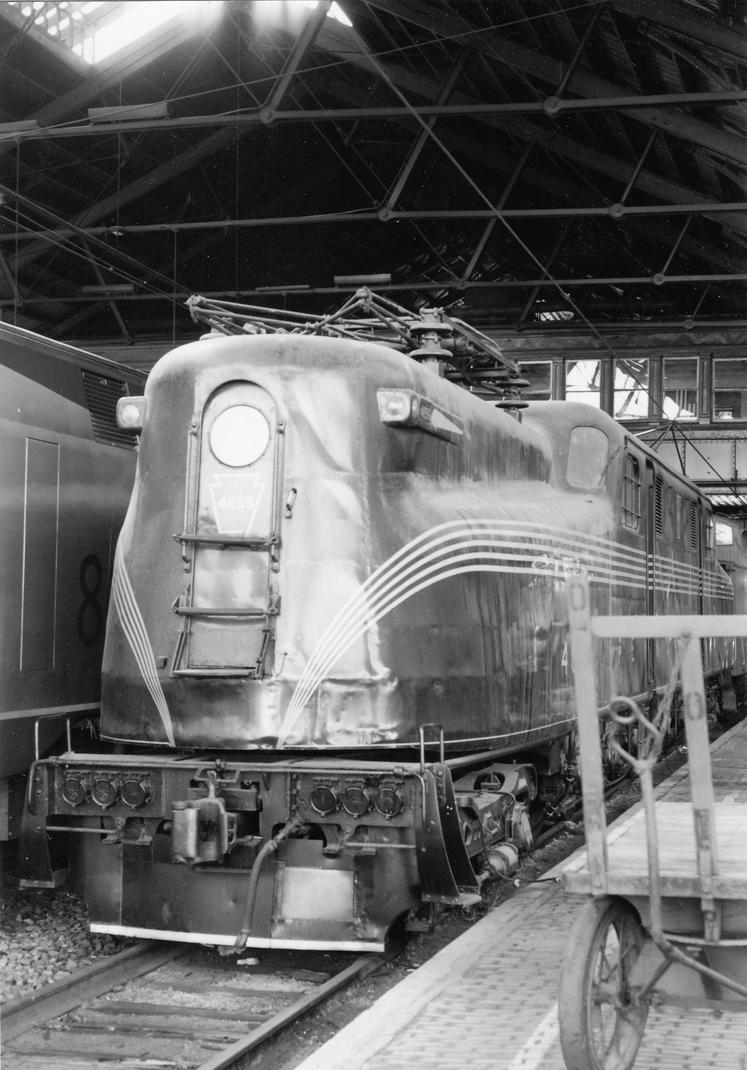 GG1 Under Harrisburg Trainshed by PRR8157