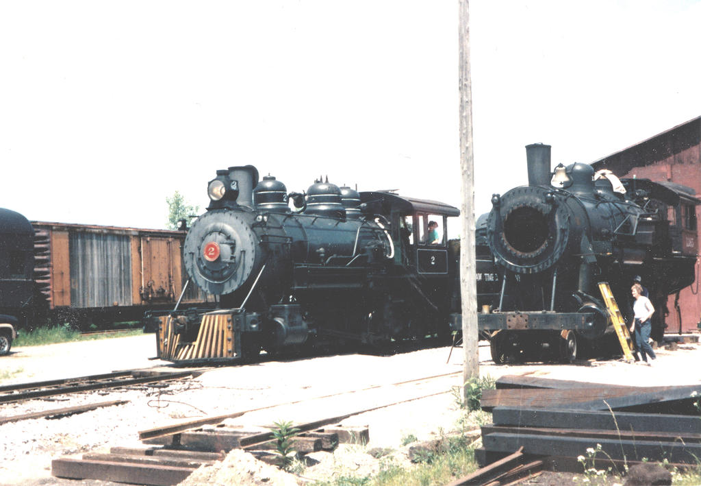 Saginaw Timber #2  and CNW 1385 by PRR8157