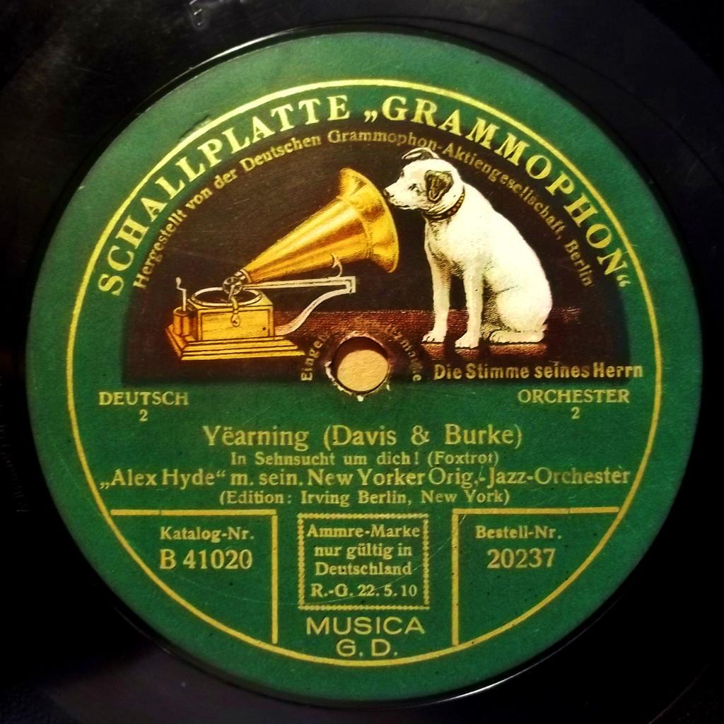 Deutschen Grammophon by PRR8157
