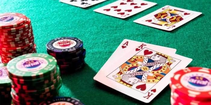 Playing poker by ronozer