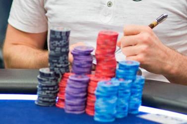 Winning, Losing, and Keeping Score in Poker
