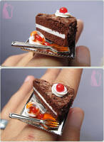 The Cake is a Lie Ring - Portal by Talty