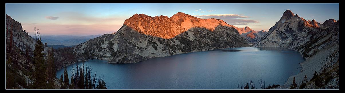 Sawtooth Lake Pano by narmansk8