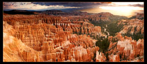 Bryce Canyon Sunrise Pano by narmansk8