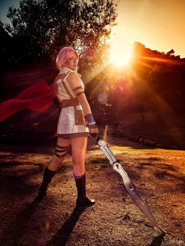 Lightning Cosplay (Beyond the Horizon) by SapphireEagle