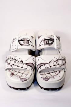 Kuchisake-onna-shoes