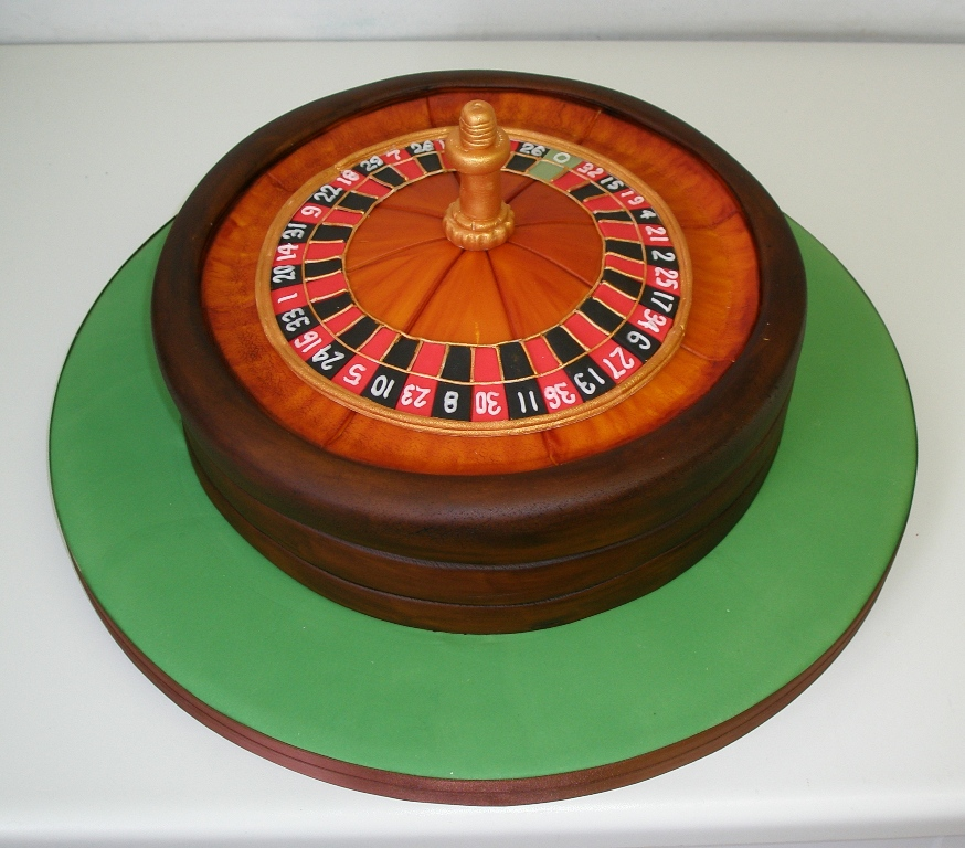 Roulette wheel cake by Dragonsanddaffodils