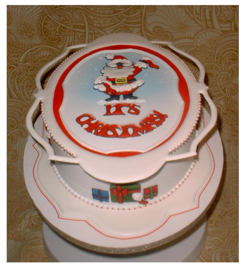 Royal iced christmas cake by dragonsanddaffodils on deviantart for Iced christmas cakes