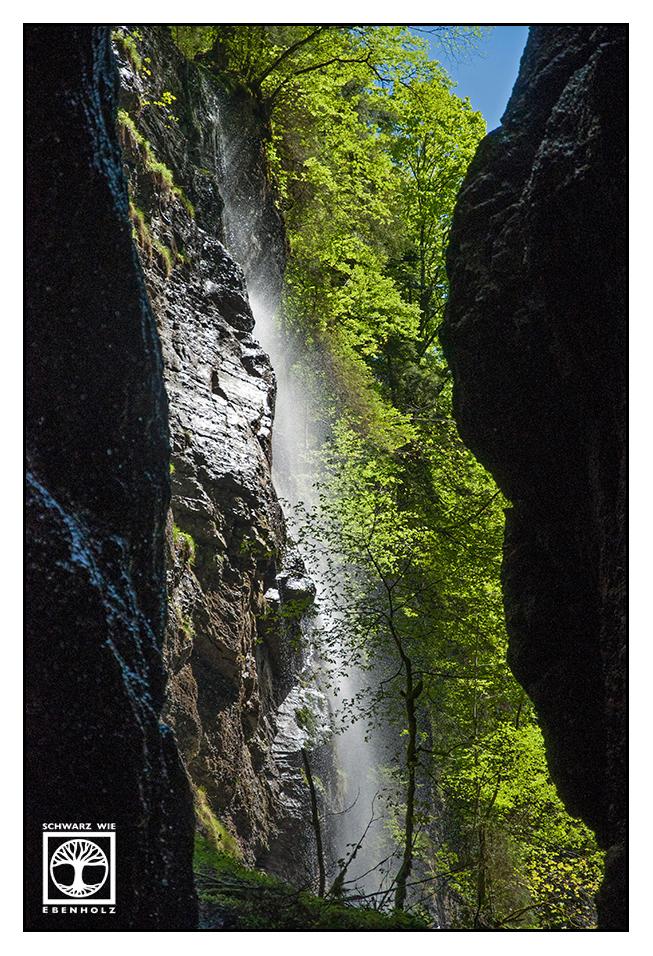 Paradise Falls by SchwarzWieEbenholZ