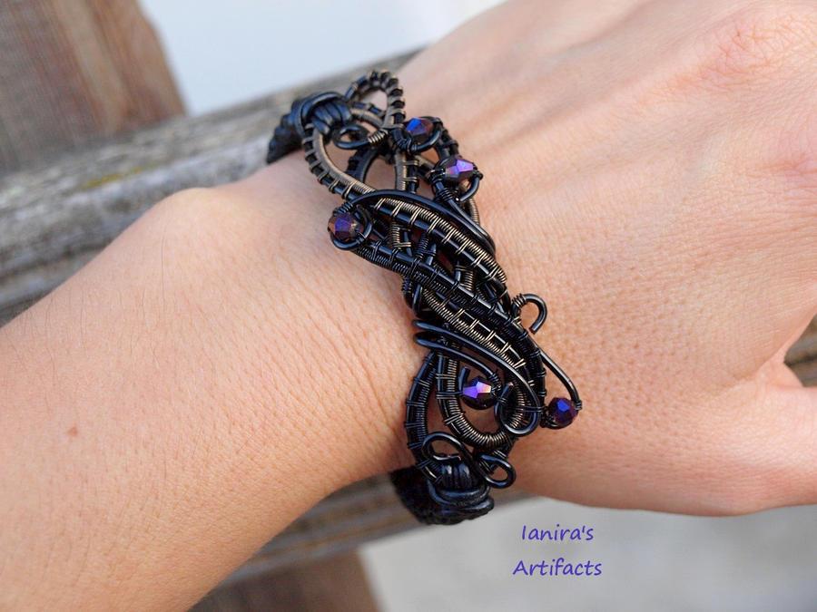 OOAK - Black wire wrapped leather macrame bracelet by IanirasArtifacts