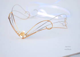 Gold coloured wire wrapped headpiece by IanirasArtifacts