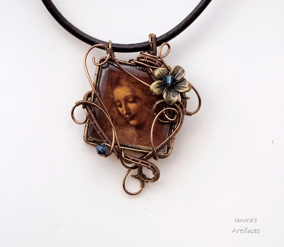 Leonardo Da Vinci's figure wire wrapped pendant by IanirasArtifacts