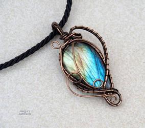 Labradorite wire wrapped pendant - ooak