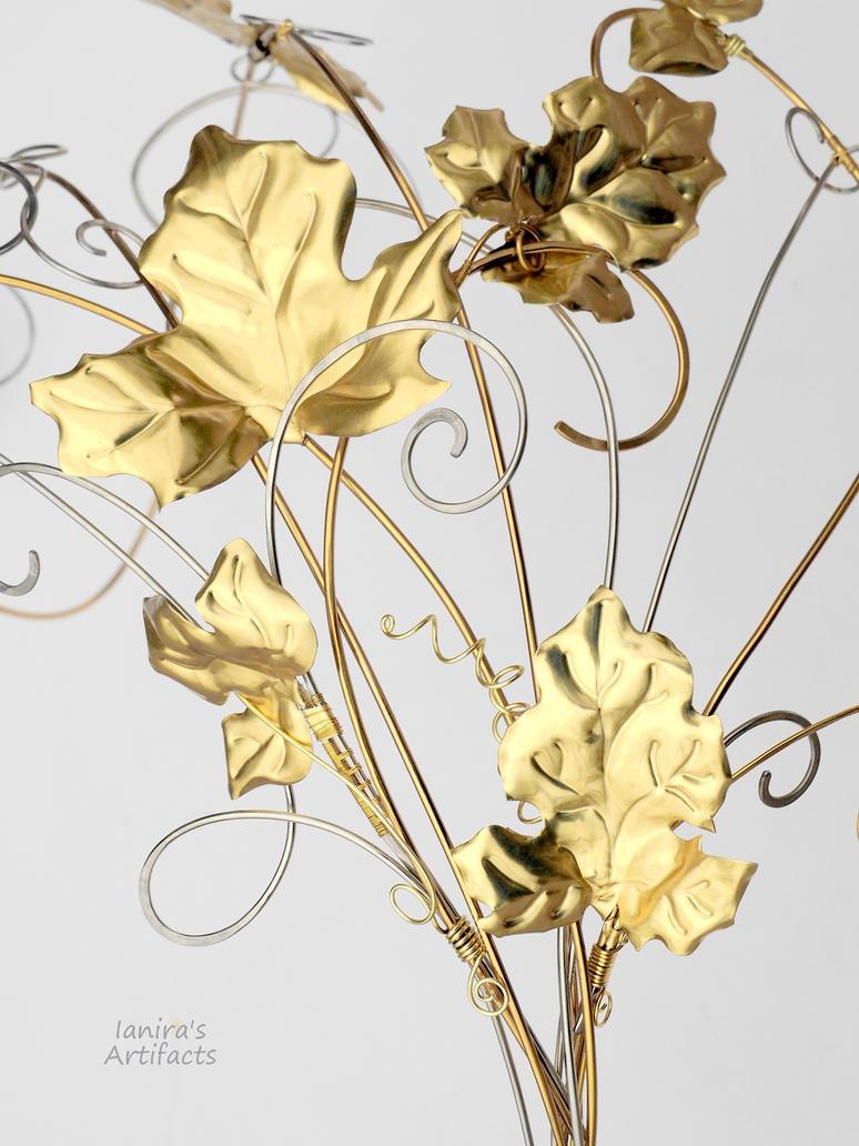 Alternative wedding bouquet of wire by IanirasArtifacts