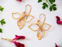 Gold leafy earrings