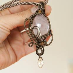 Rose quartz pendant with leaf