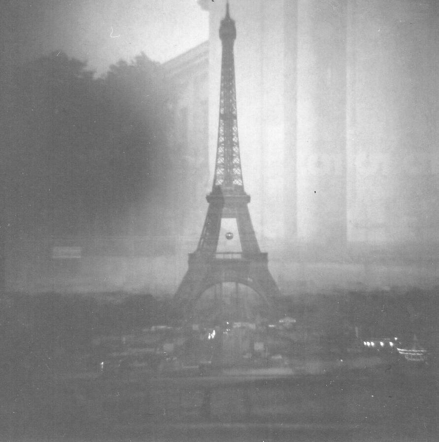 Tour Eiffel by HisRandomness