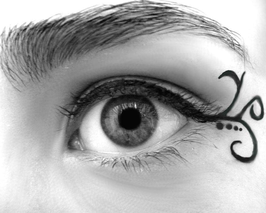 Dev ID - Swirly Eyeliner by LuckyRedOne