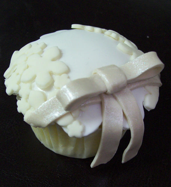 Wedding cupcake 5 by see-through-silence